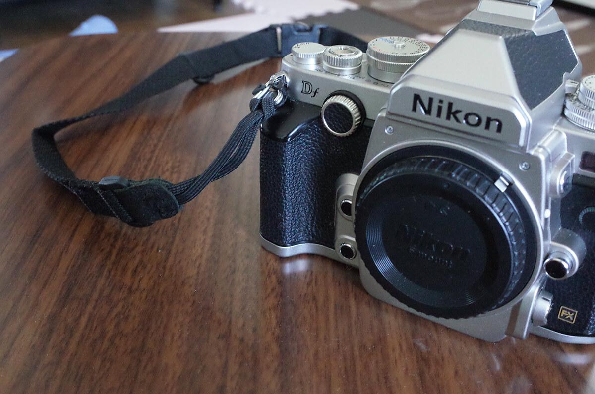 Nikon Dfのグリップ