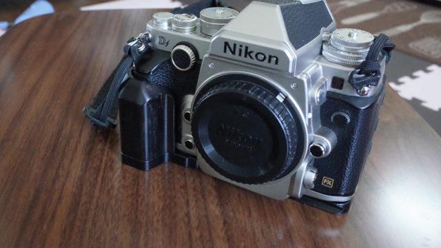 TARIONのカメラグリップをNikon Dfに装着