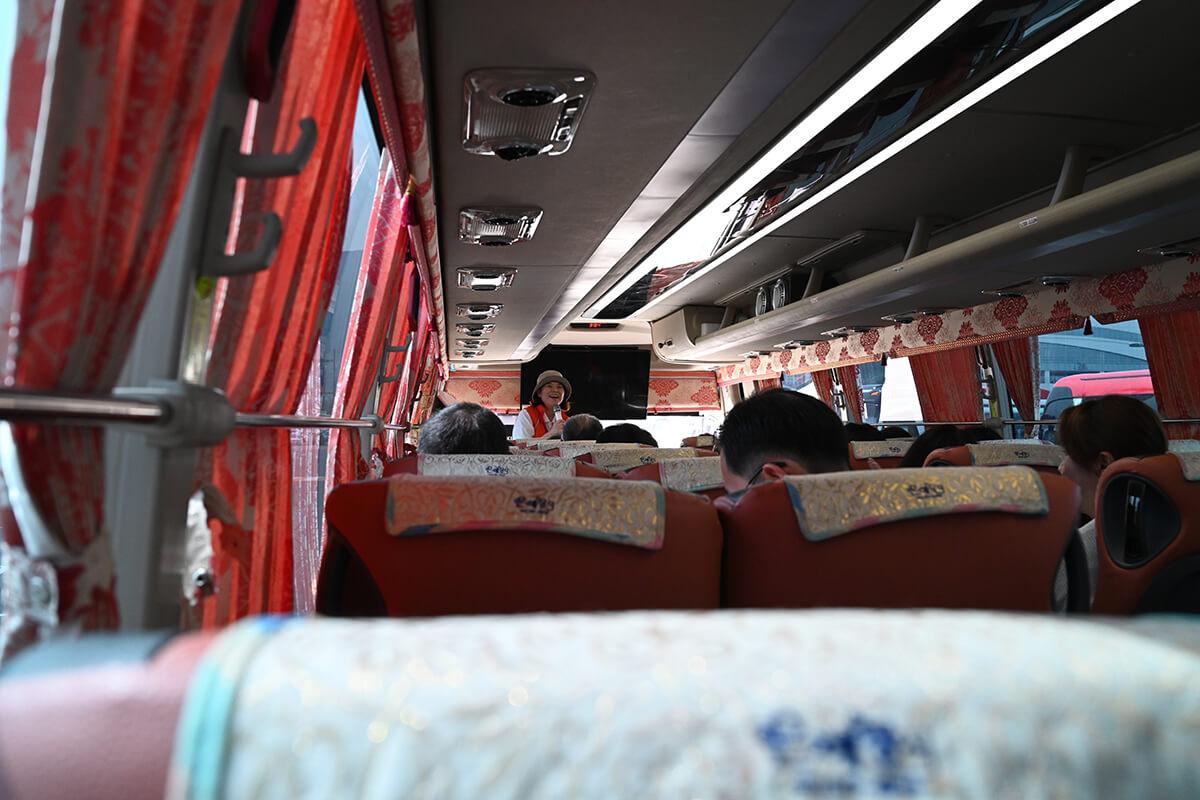 釜山 寄港地ツアーでのバス車内