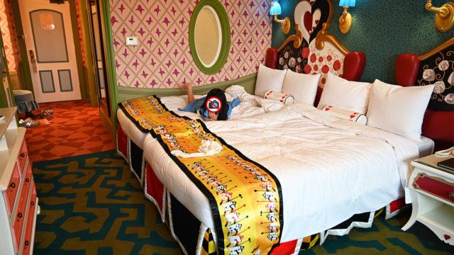 ふしぎの国のアリスルーム ベッド