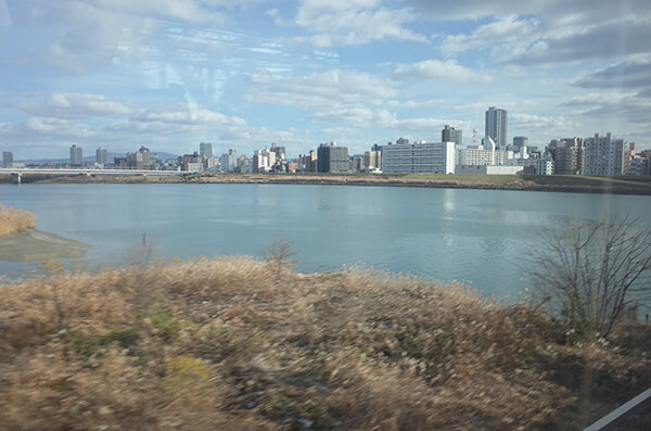 特急こうのとりから見た淀川