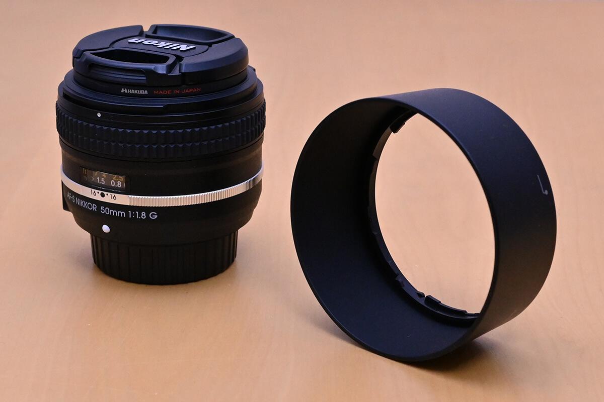 AF-S NIKKOR 50mm f/1.8G Special Editionに付属する丸型フード