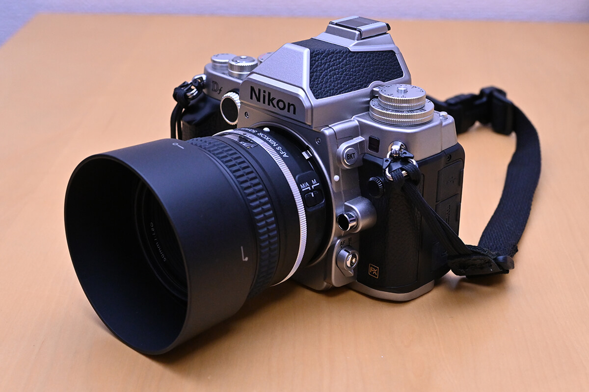 AF-S NIKKOR 50mm f/1.8G Special EditionをNikon Dfに装着